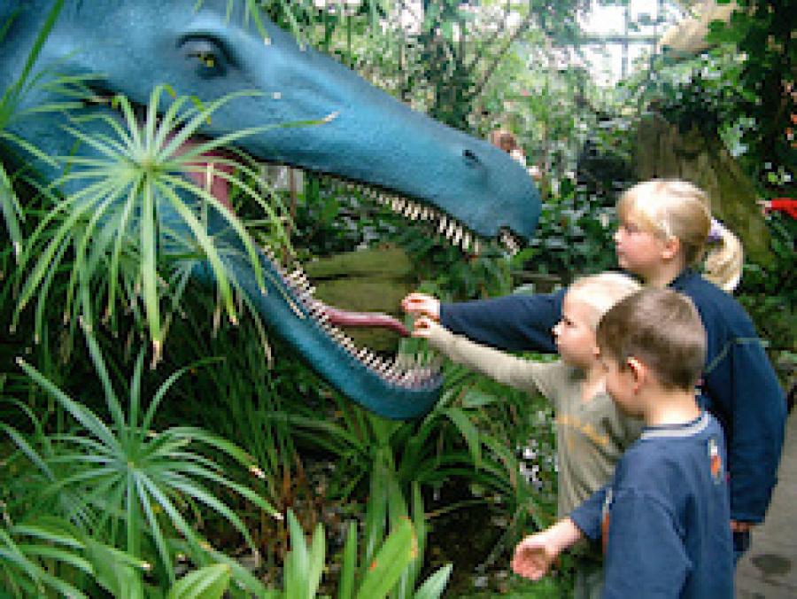 Dinosphäre Szenografie BallinStadt Leisureworkgroup